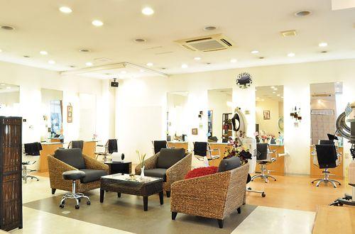 施術スペース<br>開放的な明るさと清潔感のあるアットホームな店内です。