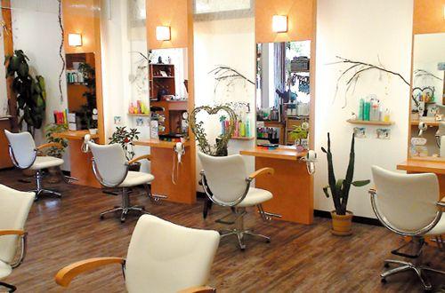 居心地よく落ち着いた癒やし空間<br>優しい店内は落ち着いた素敵な木目の空間でリラックス!!