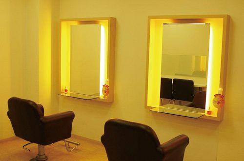初めてのお客様も安心できるサロン!!<br>店内は、ゆっくりとサロンタイムを寛げる空間造りです。