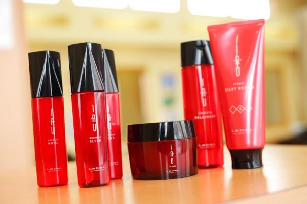 ヘアケア商品も多数ご用意<br>サロンでしか購入できないおすすめのヘアケアアイテムも揃ってます。