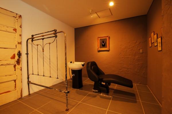 個室でゆったりヘッドスパ<br>特別感のある個室でゆったりヘッドスパがオススメ。日頃の疲れもじんわりほぐれます♪